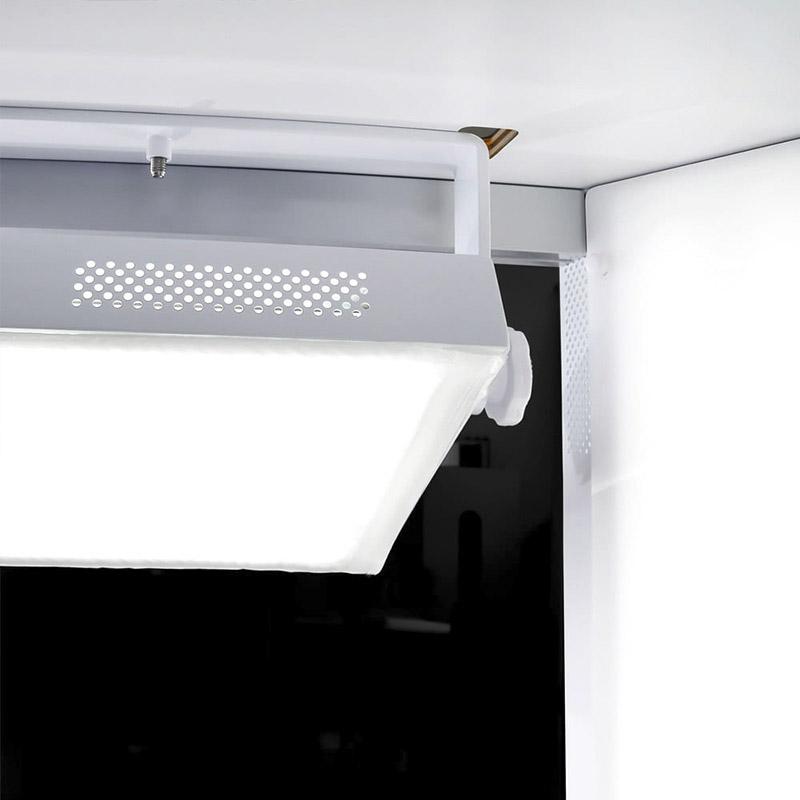 éclairage LED à l'intérieur d'un studio photo automatisé