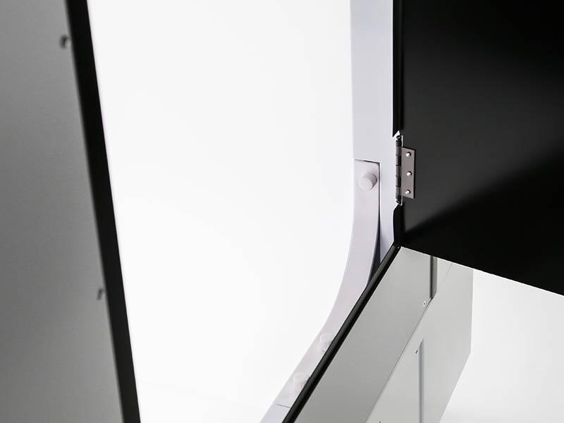 les cotés d'un studio photo automatisé
