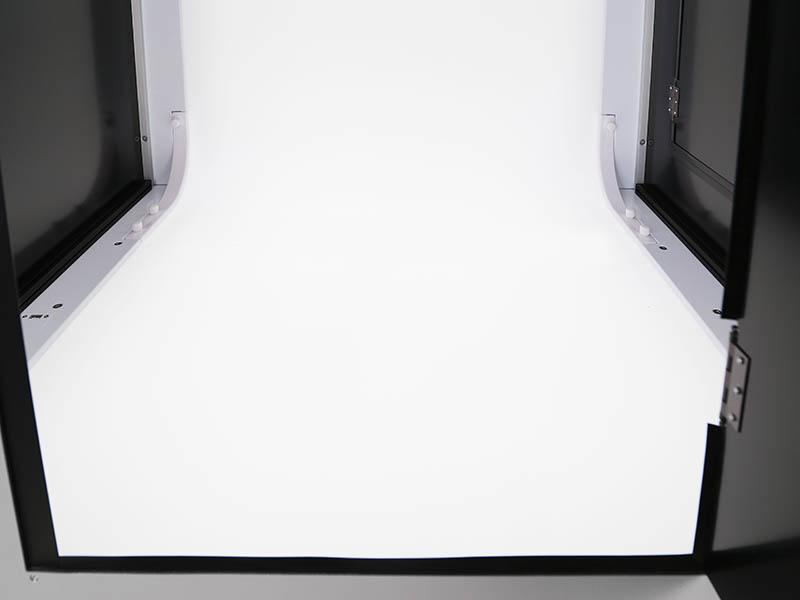 l'intérieur d'un studio photo automatisé