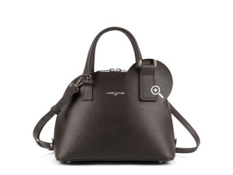 Photo packshot e-commerce maroquinerie -sac en cuir