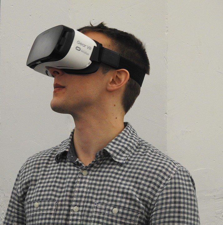 casque et vr samsung pour la réalité virtuellle