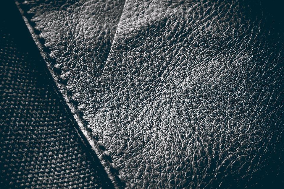 Photographe packshot articles en cuir