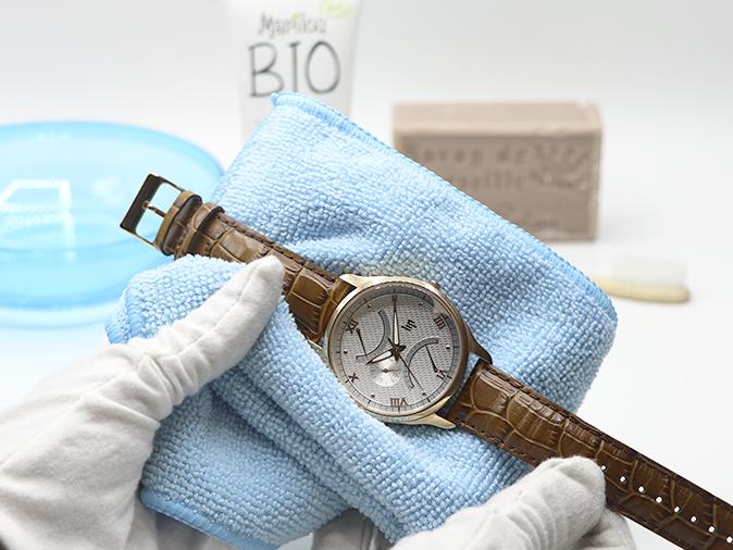 Comment nettoyer une montre avant de la photographier